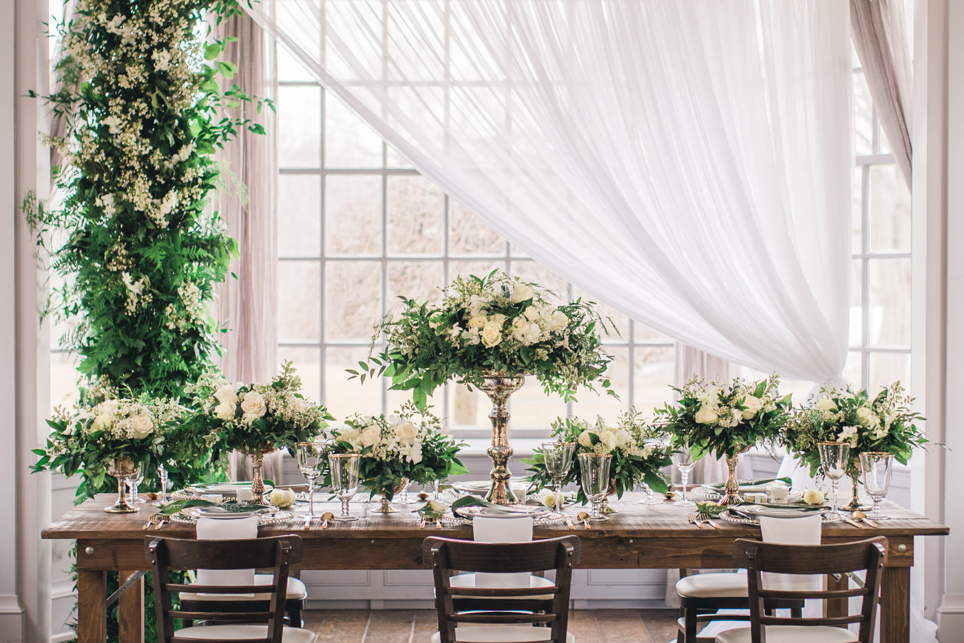 Fairy tale wedding table at the Estates of Sunnybrook