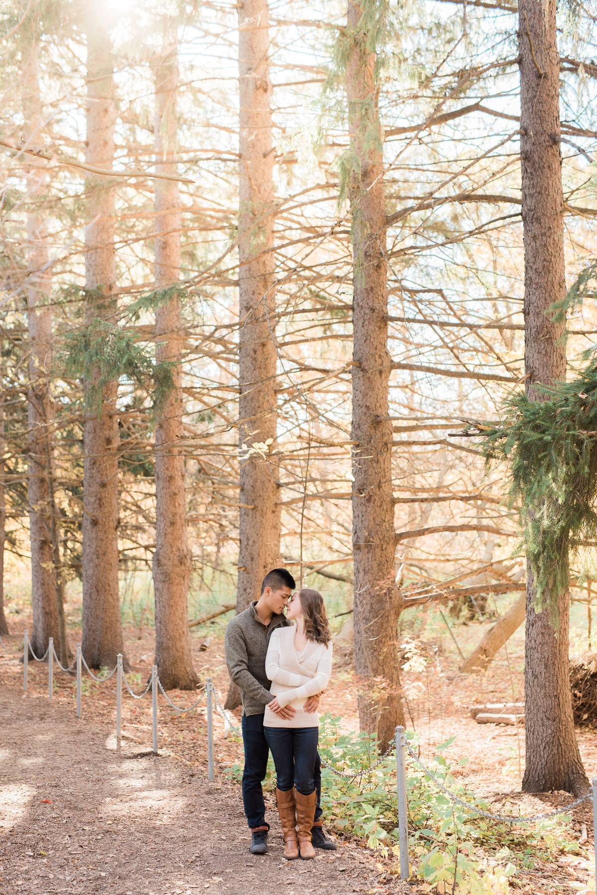 Beautiful Fall Engagement session at Mississauga Gardens