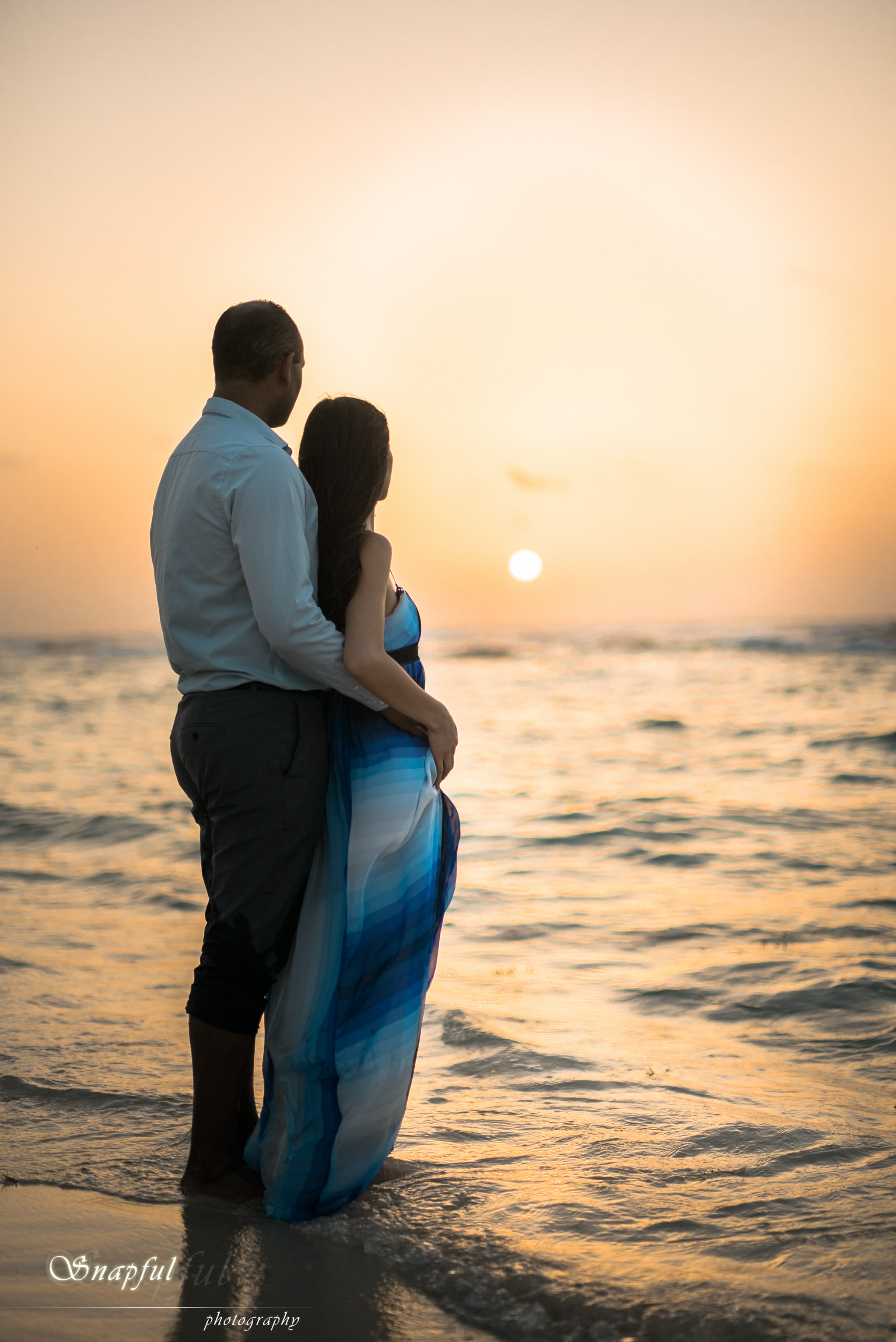 Romantic couple at sunrise in Mexico