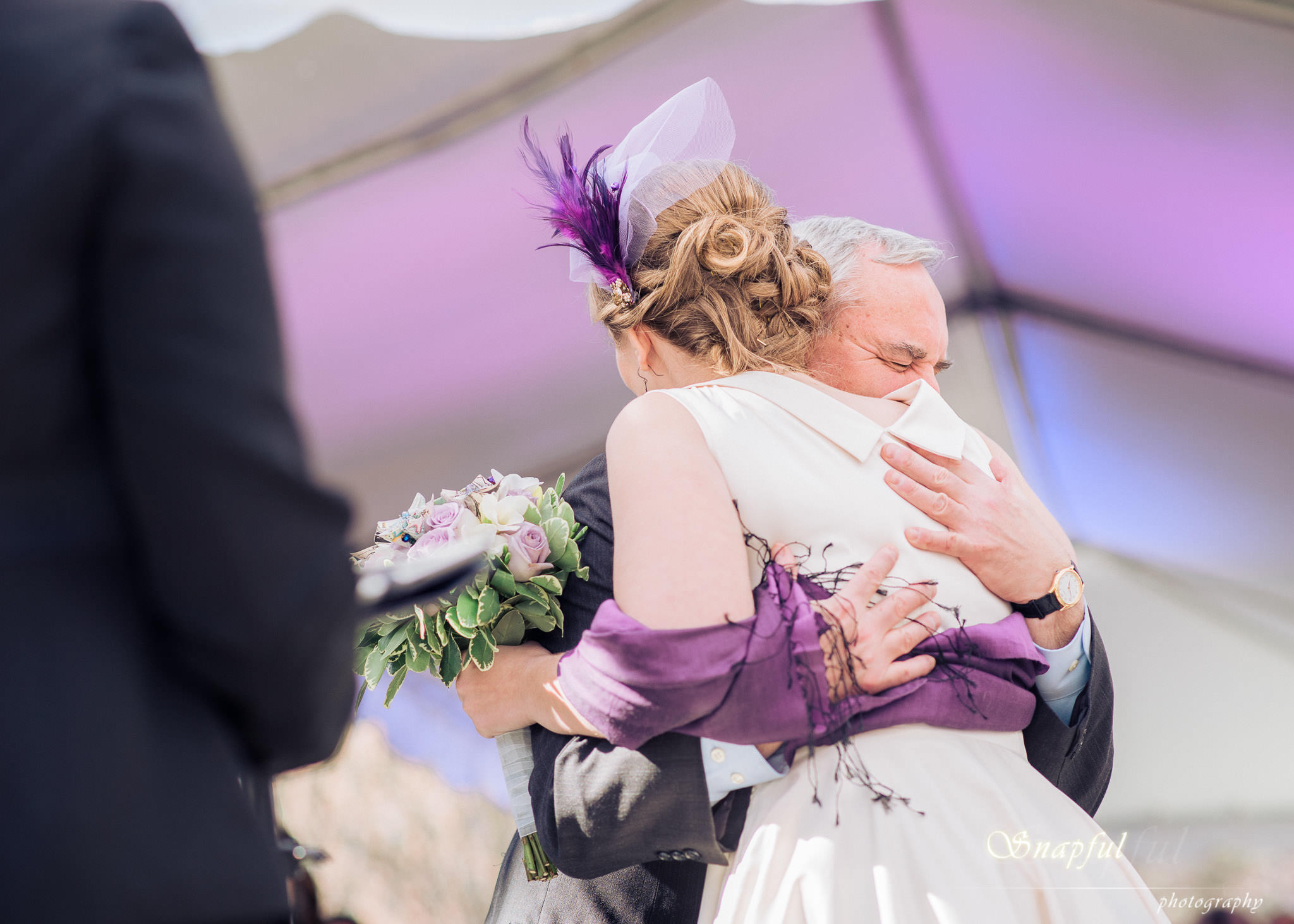 heartfelt moment between dad and bride