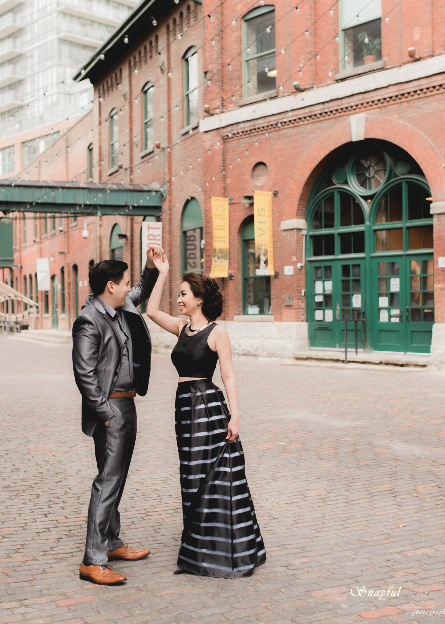 Distillery District Toronto Engagement session