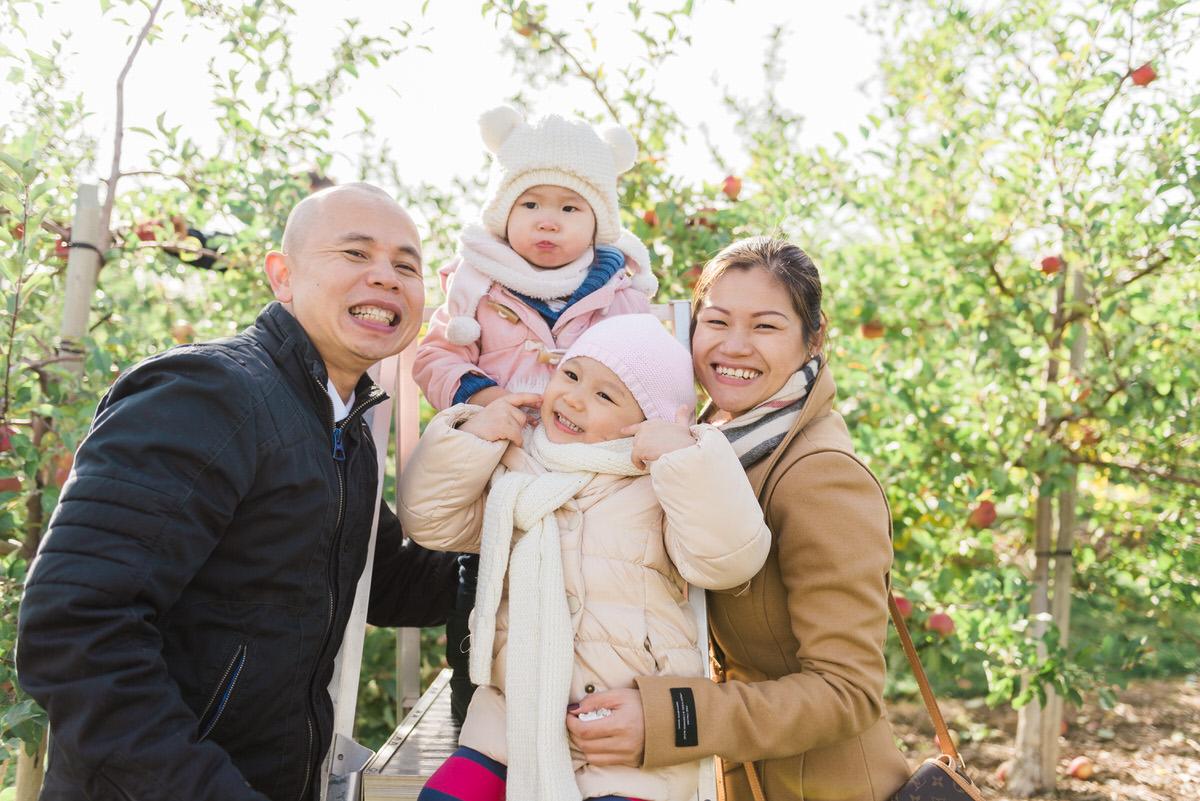 family photoshoot apple picking at Downey's farm-79